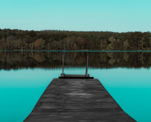 Store Økssø er et af Rold Skovs mest populære udflugtsmål. Det har den været, siden man i 1870 etablerede et trinbræt på stedet foto og plakat af Rold Skov og kunst af Nordjylland Speciel lavet plakat i mange størrelser og unikke størrelser og motiver af Aalborg, Frederikshavn og Nordjylland Sæby